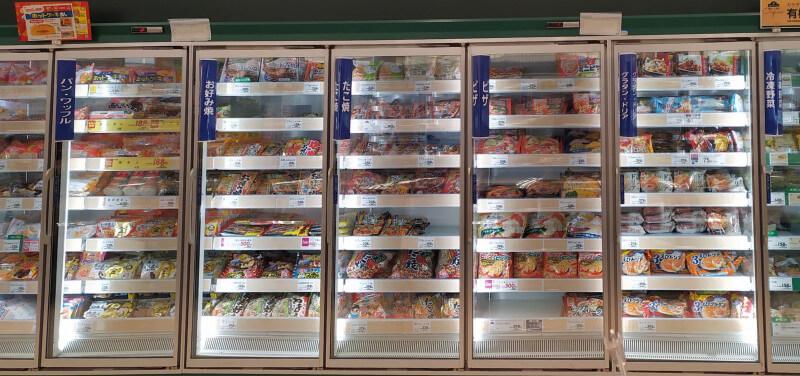 日本の冷凍食品コーナー