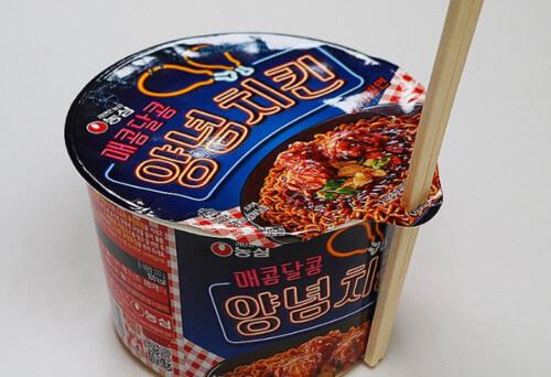 ヤンニョムチキンラーメン韓国箸入れ