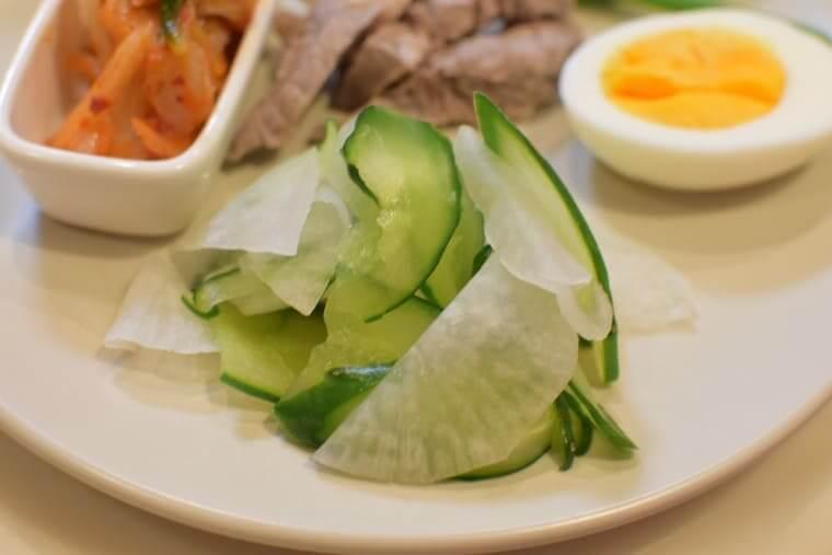 ふるるビビン冷麺塩もみ野菜