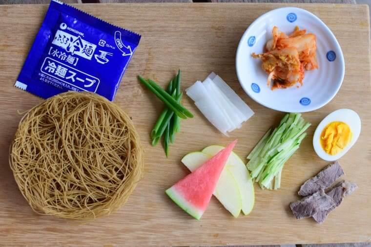 ふるる水冷麺材料