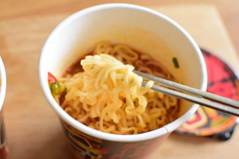 激辛ラーメン麺