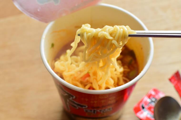 辛ラーメンカップ麺