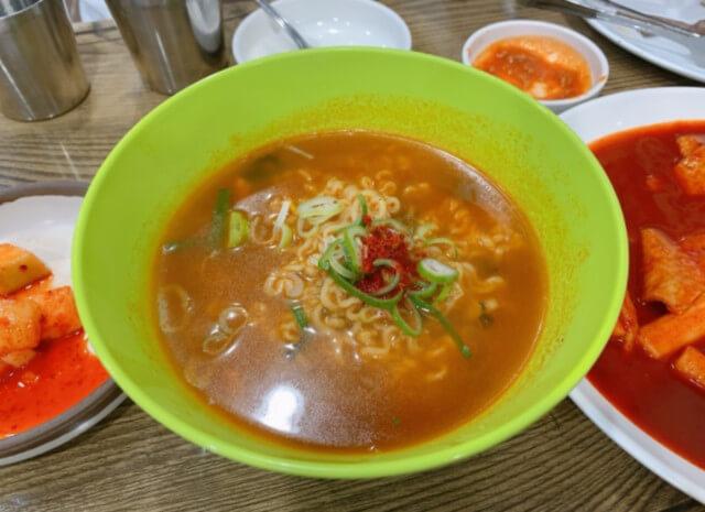 韓国粉食ラーメン